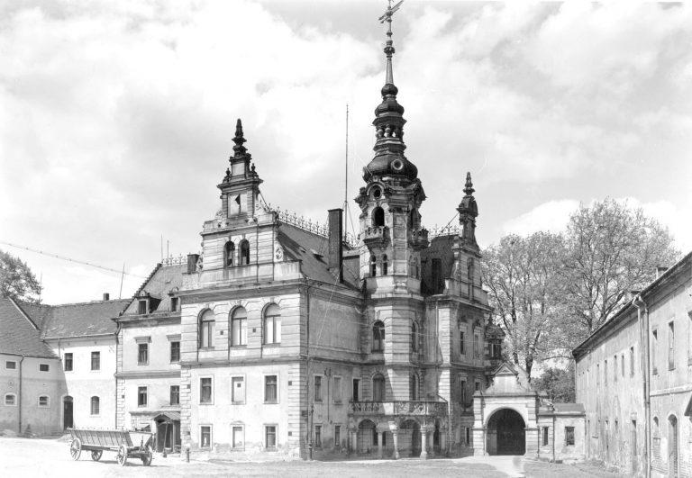 Schloss Prohlis Hofseite um 1950